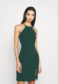 WAL G. - YELDA SCALLOP NECK MINI DRESS - Koktejlové šaty/ šaty na párty - forest green - 0