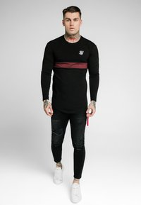 SIKSILK - CUT & SEW TEE - Langarmshirt - black/wine - 0