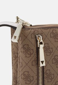Guess - NAYA DOUBLE ZIP CROSSBODY - Across body bag - light brown - 3