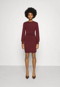 Vero Moda - VMTWISTED KNOT SHORT DRESS - Jerseykjole - port royale - 0