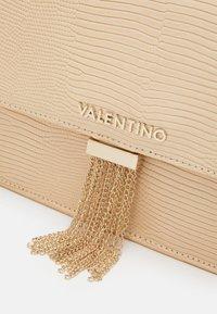 Valentino Bags - PICCADILLY - Handbag - nudo - 3