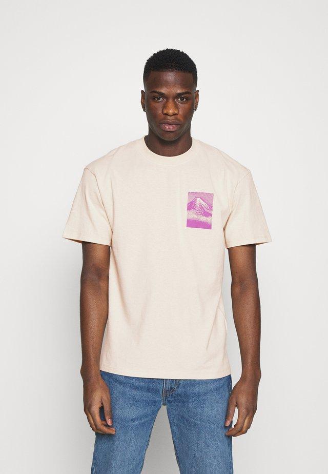 FROM FUJI UNISEX - T-shirt imprimé - pelican