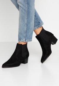 ONLY SHOES - TOBIO CHELSA - Boots à talons - black - 0