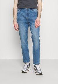 Newport Bay Sailing Club - Straight leg jeans - light wash - 0