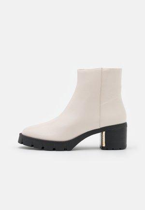 CHRISSY BOOTIE - Platform ankle boots - chalk