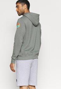 The North Face - RAINBOW SHORT - Pantalón corto de deporte - light grey heather - 3