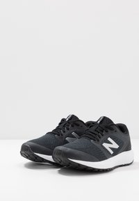 New Balance - 520 V6 - Zapatillas de running neutras - black - 2