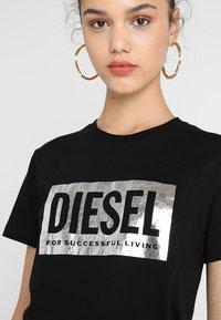 Diesel - T-FOIL - T-Shirt print - schwarz - 4