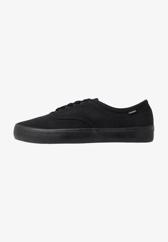 PASSIPH - Skate shoes - flint black