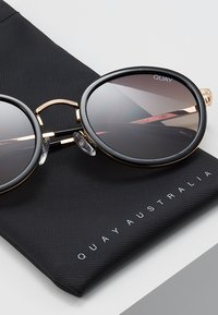 QUAY AUSTRALIA - FIREFLY - Sunglasses - black/gold - 2