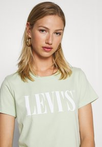 Levi's® - THE PERFECT TEE - T-shirts med print - light green - 3