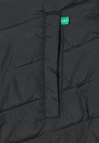 Modern Eternity - LEXIE LENGTH CHEVRON PUFFER MATERNITY - Winter coat - black - 3