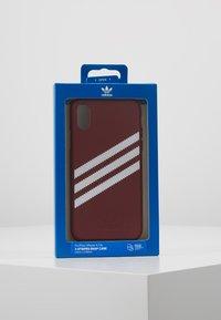 adidas Originals - MOULDED CASE FOR IPHONE X/XS - Etui na telefon - collegiate burgundy - 5