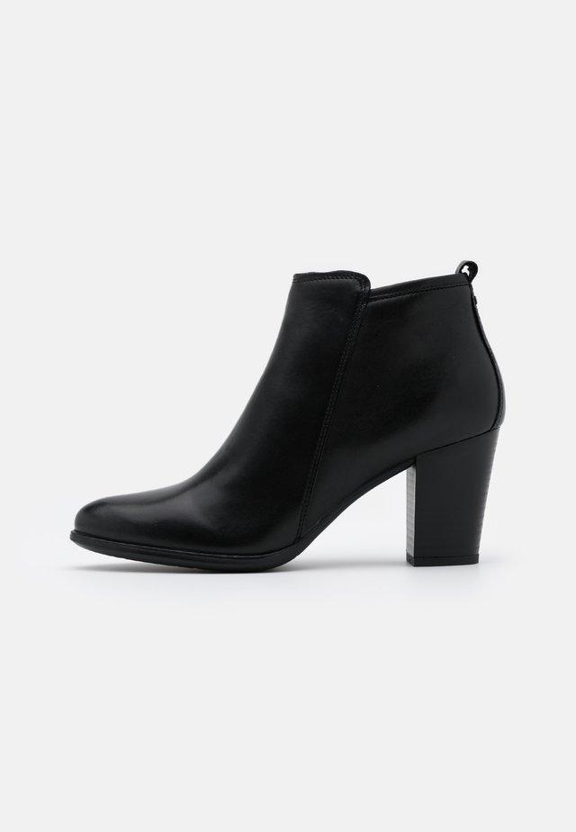 LEATHER - Boots à talons - black