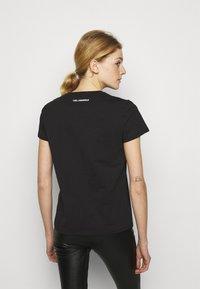 KARL LAGERFELD - MINI IKONIK KARL PATCH - T-Shirt print - black - 2