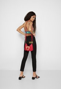 Versace Jeans Couture - BUCKLE SHOULDER BAG - Across body bag - paradise - 4