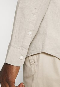 Selected Homme - SLHREGNEW SHIRT - Košile - crockery - 4