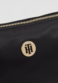 Tommy Hilfiger - POPPY MAKE UP BAG - Trousse - black - 2