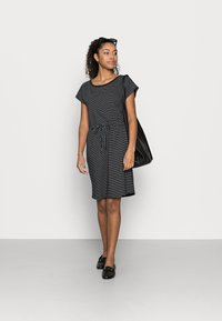 Vero Moda Petite - VMAPRIL SHORT DRESS 2 PACK - Jerseykjole - black/black /snow white - 0