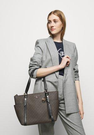 SULLIVAN TOTE - Handbag - brown/black