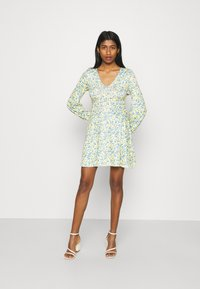 Missguided - DITSY SKATER DRESS - Jersey dress - yellow - 1