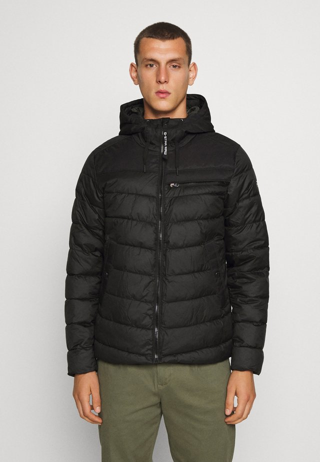 ATTACC QUILTED JACKET - Lehká bunda - black