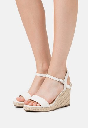 WIDE FITRAY RAY - High heeled sandals - white