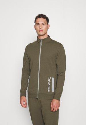 GALVANIZE LOUNGE FULL ZIP - Pyjamasöverdel - green