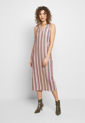 SHAILA DRESS - Maxi dress - beige/rot/blau