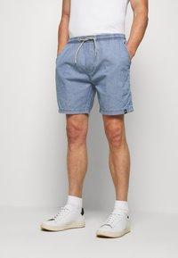 INDICODE JEANS - DRUMMONDVILLE - Denim shorts - mid indigo - 0