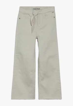 HIGH WAIST WIDE LEG WITH SHELL FABRIC TIE - Flared Jeans - off white