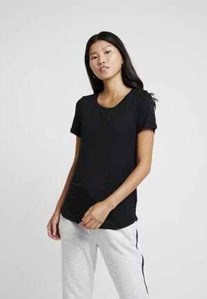 LUXE - Jednoduché triko - true black