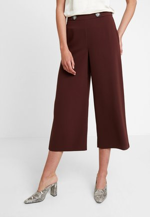 CROP WIDE LEG - Pantalones - brown