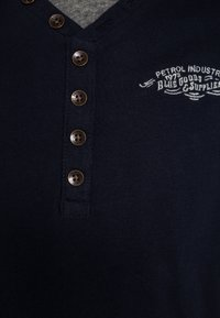 Petrol Industries - Long sleeved top - deep navy - 2