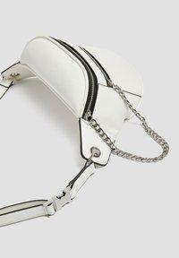 PULL&BEAR - Bum bag - white - 4