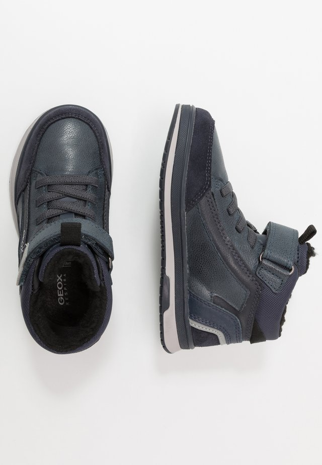 ASTUTO BOY - Støvletter - navy/grey
