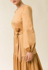 IVY & OAK - ANKLELENGHT - Maxi dress - gold - 1