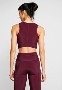 Onzie - FRONT TWIST CROP - Top - purple - 2