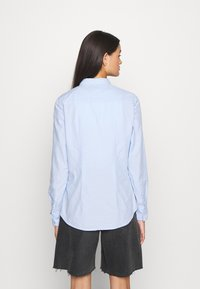 Tommy Jeans - SLIM FIT OXFORD - Button-down blouse - serenity - 2