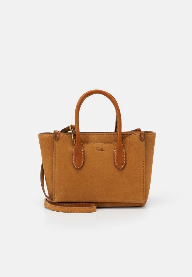 MINI SLOANE - Handtasche - camel