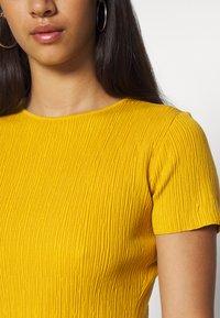 Missguided - TEXTURED CUT OUT BACK DRESS - Jumper dress - mustard - 5