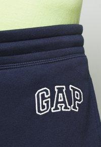 GAP - LOGO PANT - Tracksuit bottoms - tapestry navy - 4