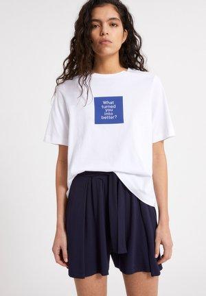 LAYAA DIARY - Print T-shirt - white
