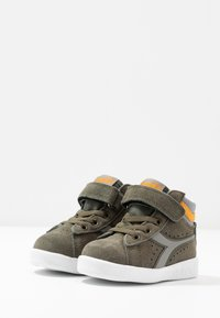 Diadora - GAME S HIGH - Sports shoes - burnt olive green - 3