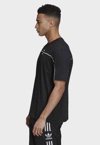adidas Originals - R.Y.V. T-SHIRT - T-shirts med print - black - 3