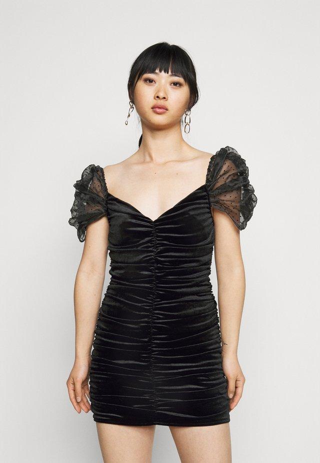 RUCHED DETAIL DOBBY SLEEVE DRESS - Vestito elegante - black