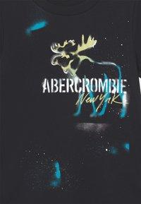 Abercrombie & Fitch - GRAFFITI PRINT LOGO - Print T-shirt - black - 2