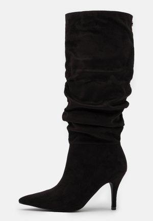 VLOUCH - Botas - black