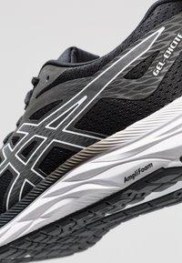 ASICS - GEL-EXCITE 6 - Zapatillas de running neutras - black/white - 5