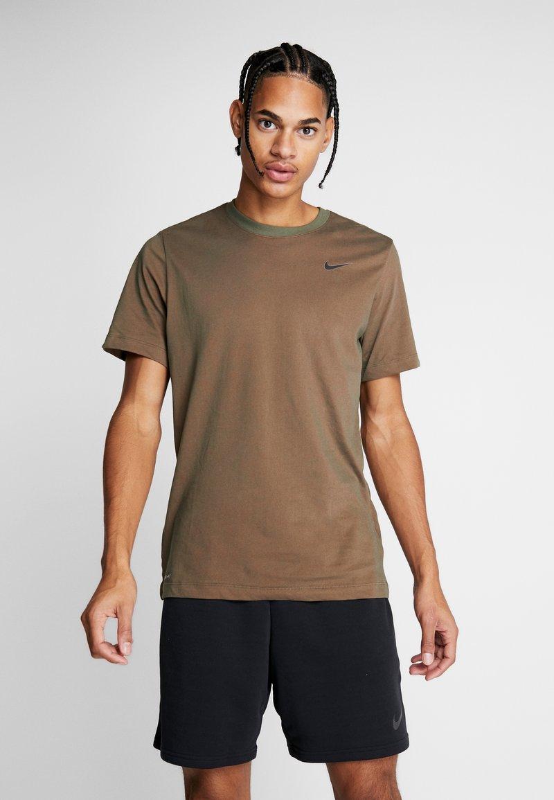 Nike Performance - DRY TEE CREW SOLID - Basic T-shirt - cargo khaki/team orange/black